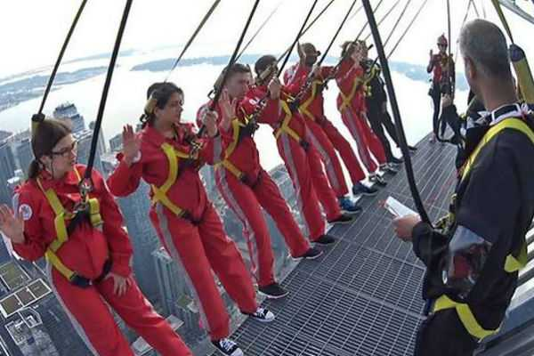 six-new-canadians-took-their-citizenship-oath-on-the-cn-tower-s-edgewalk