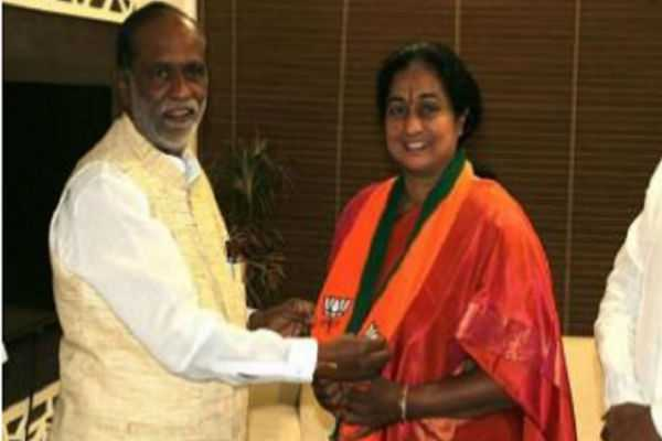 women-leader-resigns-from-bjp-on-the-same-day-of-joining
