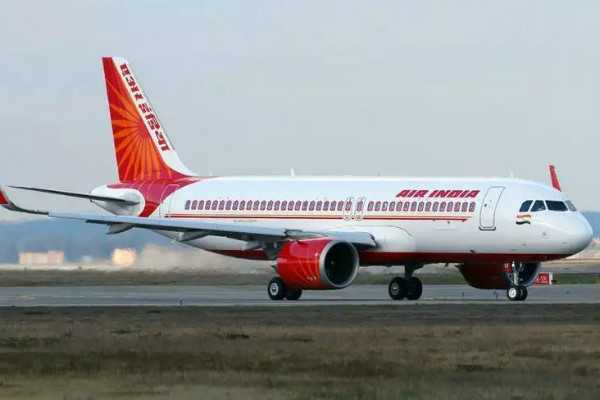 flight-travels-more-than-3-hours-with-damaged-fuselage