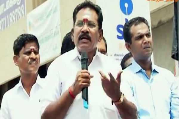 will-soon-be-the-women-chief-of-admk-says-selluraju