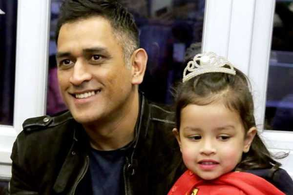 ziva-dhoni-s-first-plank-session-goes-viral