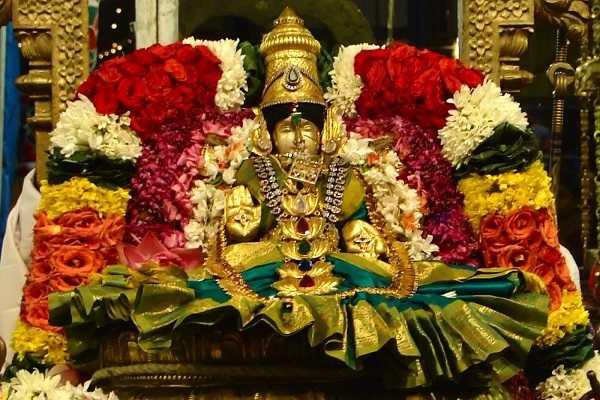 grand-navarathiri-begins-seventh-day-worship