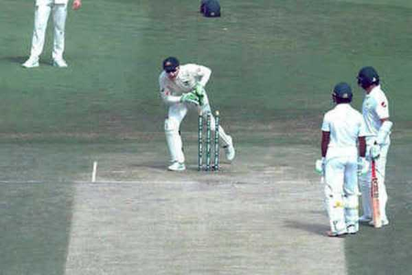 watch-pakistan-batsman-azhar-ali-s-comical-run-out-against-australia