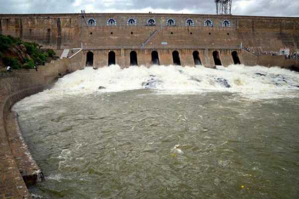 mettur-dam-s-water-flow-decreases