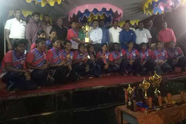 karur-thiruvallur-won-the-title-in-state-throwball-championship