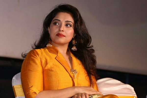 i-ve-hit-that-director-with-a-slipper-mumtaj