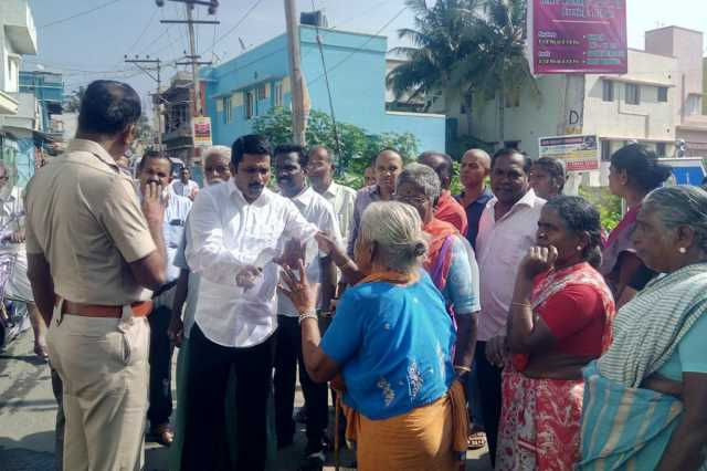salem-residents-near-a-cemetary-sick-due-to-fumes-protest-stopped