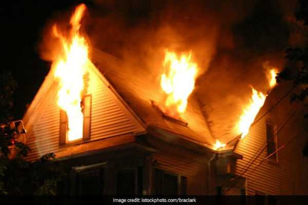 man-sets-home-on-fire-after-using-blowtorch-to-kill-spiders