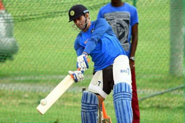 ms-dhoni-sweats-it-out-in-the-optional-net-session-in-mumbai