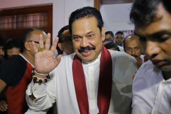 mahinda-rajapaksa-assumes-charge-as-prime-minister