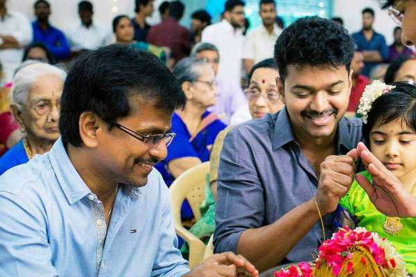 a-r-murugadoss-who-stole-stories-vijay-in-furious