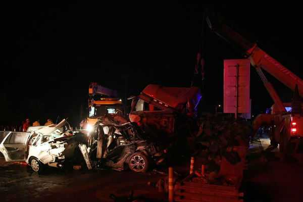 at-least-14-dead-in-nw-china-pile-up