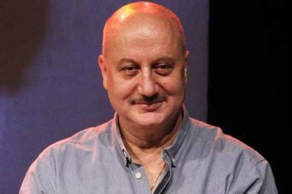 anupam-kher-honoured-by-mit