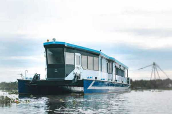 kerala-government-launched-fastest-boat-service