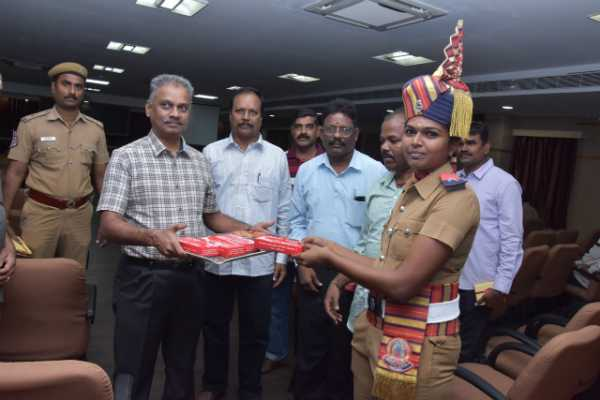 diwali-celebration-commissioner-celebrates-with-co-workers