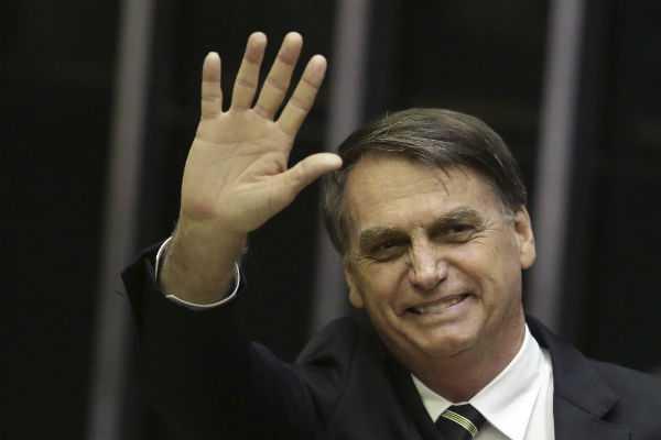 bolsonaro-celebrates-30th-anniversary-of-brazil-s-constitution
