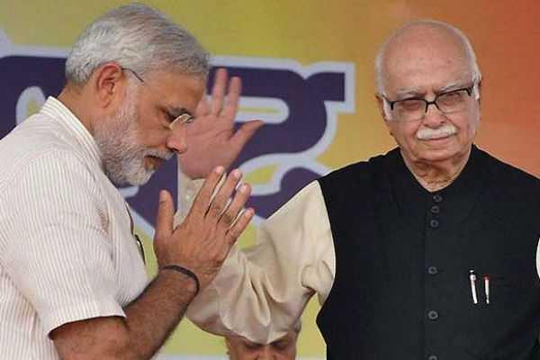 pm-modi-greets-advani-on-his-birthday-today
