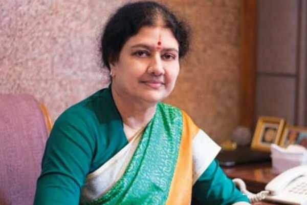 disqualified-18-mlas-meeting-sasikala-at-bengaluru