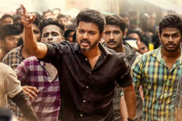 vijay-fans-steps-down-for-protest-against-admk