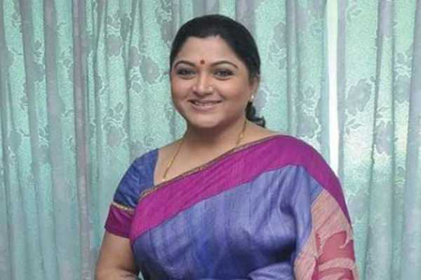 kushboo-supports-vijay-over-sarkar-issue