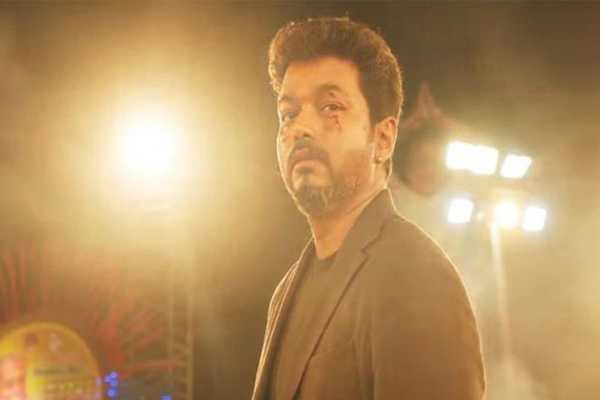 end-the-sarkar-controversy-vijay-is-silent