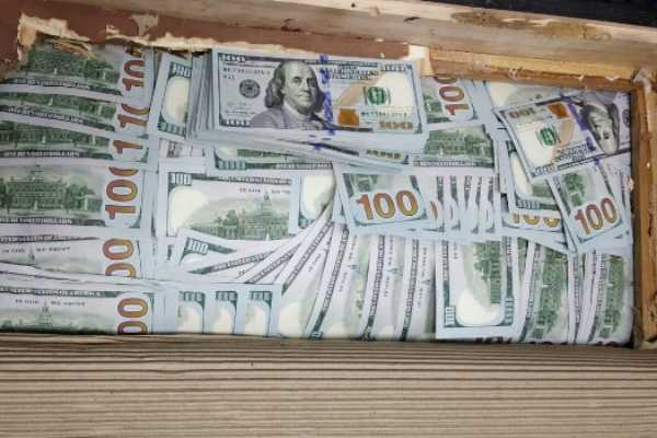 arrested-an-afghan-national-for-possession-of-foreign-currency-worth-rs-3-5-crore
