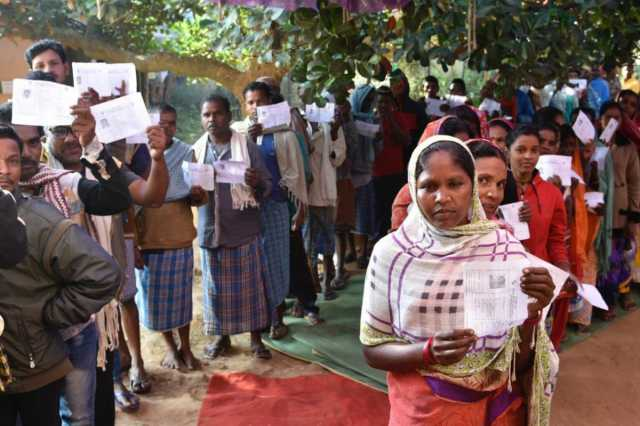 chhattisgarh-polling-crosses-76-amid-maoist-threats
