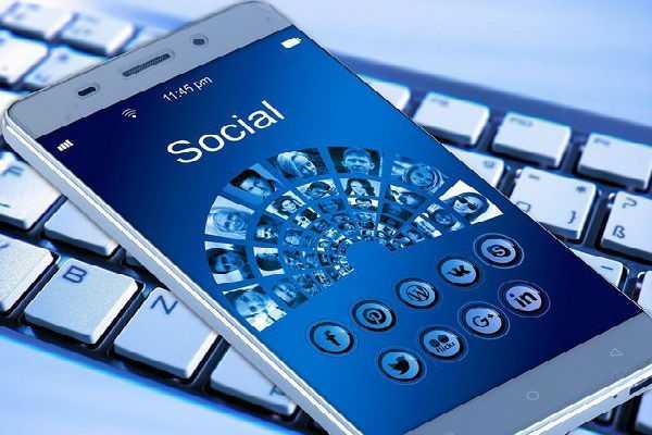 telangana-polls-are-relying-heavily-on-social-media