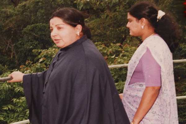 mystery-in-kodanad-estate-shocked-by-sasikala-tragedy