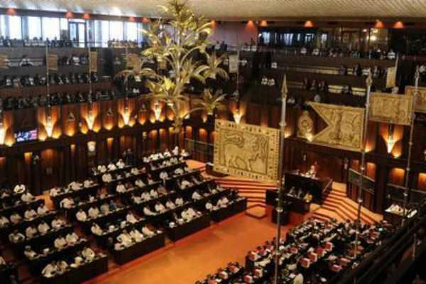 srilanka-parliament-crash-between-ranil-and-rajapaksa