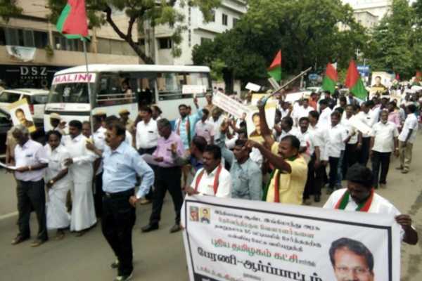 dr-krishnasamy-march-towards-british-embassy