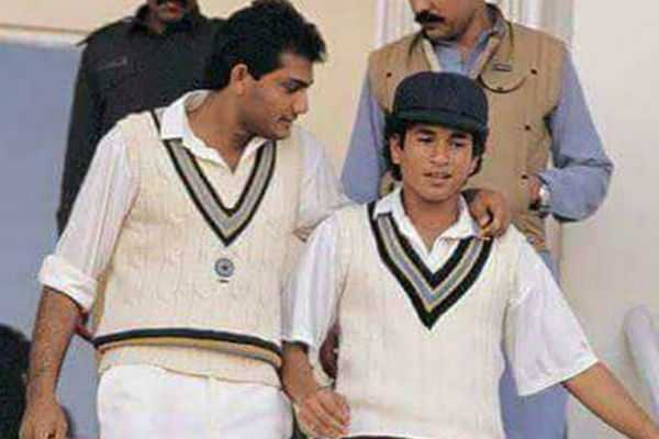 sachin-tendulkar-walked-out-to-bat-for-the-first-and-last-time-in-his-international-career