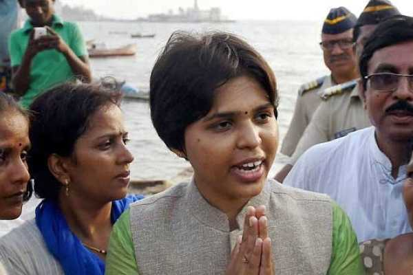 will-come-back-says-activist-trupti-desai-as-she-returns-home