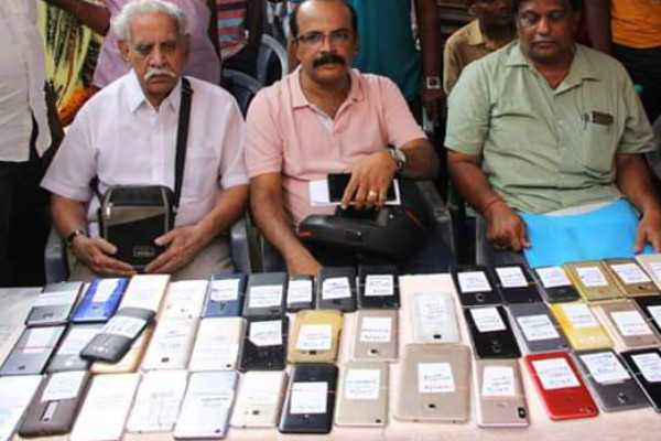 267-stolen-mobiles-returned-to-owners