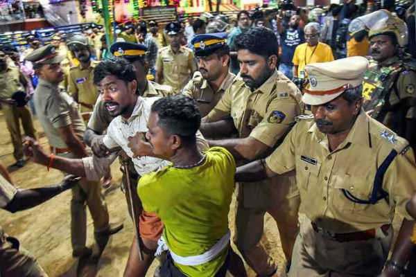 after-detention-of-devotees-kerala-hc-reprimands-police-excesses-at-sabarimala