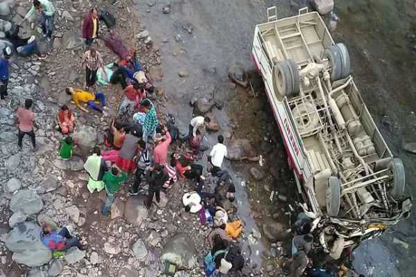 9-dead-at-least-30-injured-as-bus-plunges-into-himachal-prdesh-rivulet