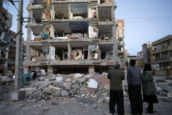 over-700-injured-in-iran-earthquake
