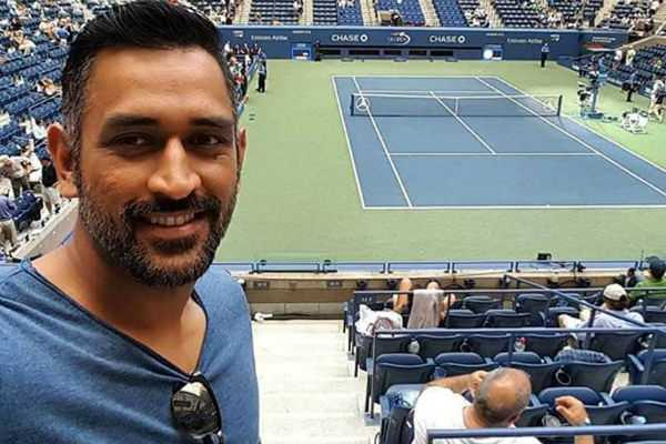 ms-dhoni-swaps-the-cricket-bat-with-the-tennis-racquet