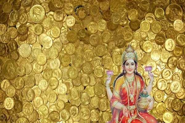 tomorrow-is-a-friday-try-this-to-get-the-blessings-of-goddess-lakshmi