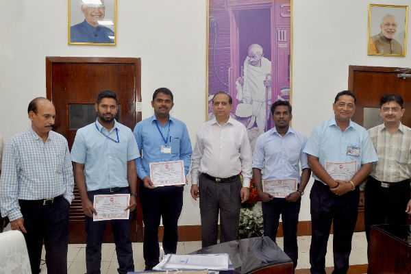 rail-drivers-felicitated-by-southeran-railway-general-manager
