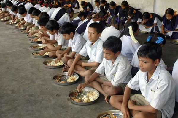 breakfast-in-schools-from-jan-minister