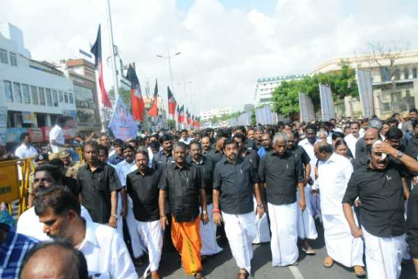 admk-people-pay-tributes-to-jayalalitha-and-takes-resolution