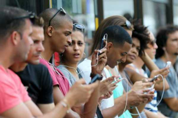 cuba-to-finally-get-mobile-internet-access