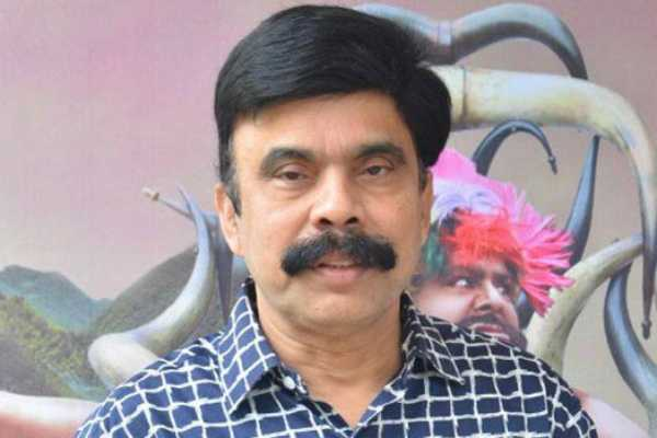 actor-power-star-seenivasan-appeared-at-chennai-anna-nagar-police-station