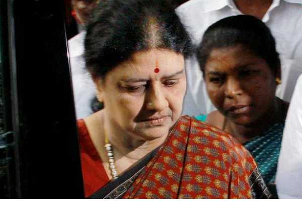 special-court-issued-warrent-to-sasikala-in-fera-case