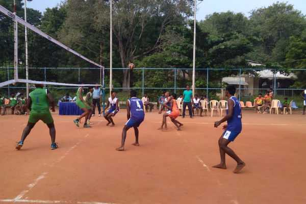tiruvarur-teams-in-quarter-finals-of-state-junior-volleyball-championship-at-chennai