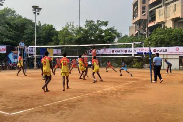 salem-kanchi-tiruvarur-erode-qualifed-for-junior-volleyball-semi-finals
