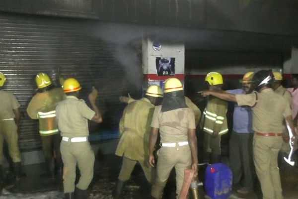 fire-accident-in-auto-parts-shop-in-trichy