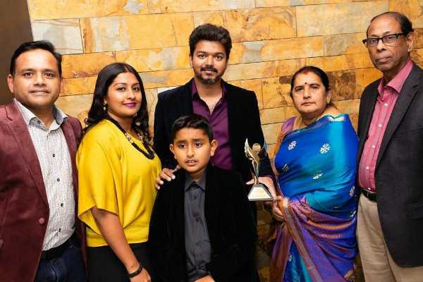 thalapathy-vijay-receives-international-best-actor-award-in-the-uk-in-person