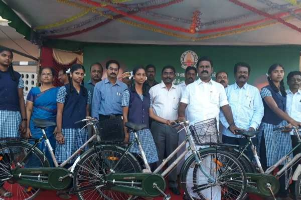 minister-kamaraj-starts-to-give-the-free-cycle-to-students